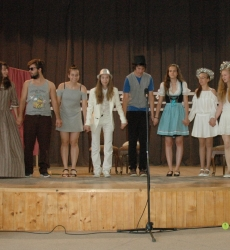 DNG színtársulat fellépése - Auftritt der DNG Theatergruppe